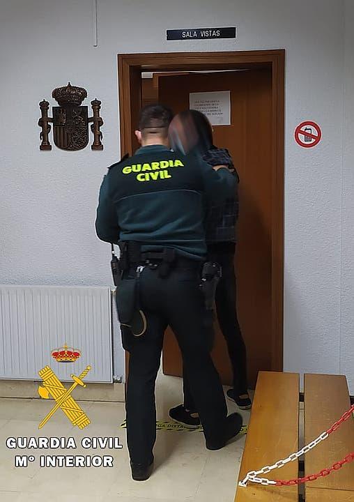 La Guardia Civil denuncia a 17 personas que participaban en una fiesta privada en Santovenia de Pisuerga