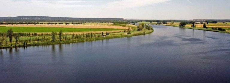 La Diputación pone en marcha actividades de enoturismo y senderismo por la provincia