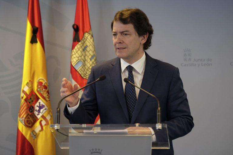Mañueco reclama al presidente del Gobierno de Españaña un plan de ayuda directa a la hostelería y la ampliaci?n de los ERTE