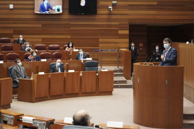 Moción de censura: Mañueco defiende su proyecto durante su comparecencia en las Cortes.