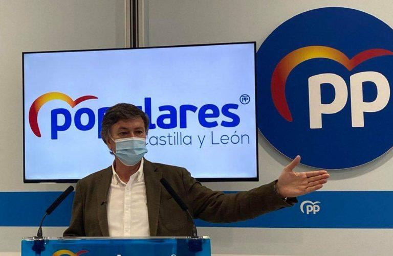 El Partido Popular de Castilla y León lamenta la imagen de Luis Tudanca «deambulando por Castilla y León mientras ruega un ratito de sillón en la Junta»