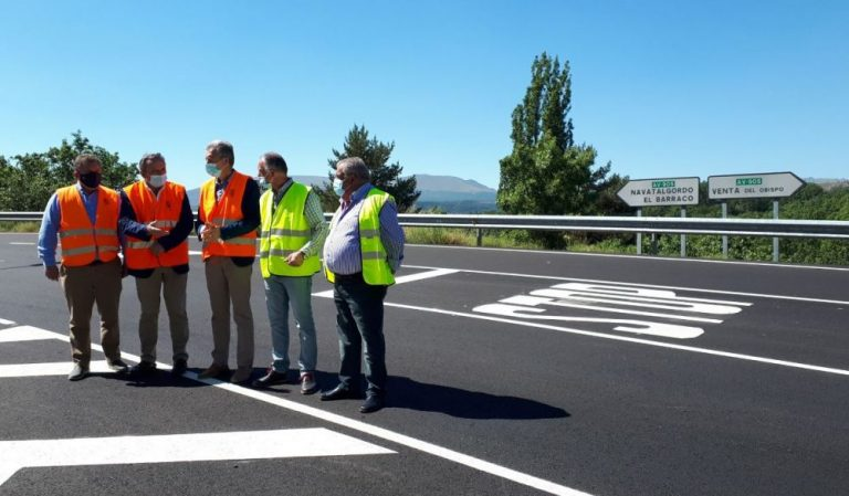 La Junta renueva el firme y mejora la seguridad vial en la carretera AV-905