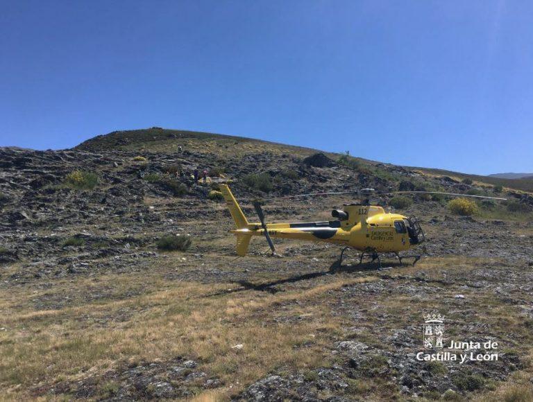Rescatan a una mujer de 72 años tras resbalarse en una zona rocosa de difícil acceso en Corporales (León)