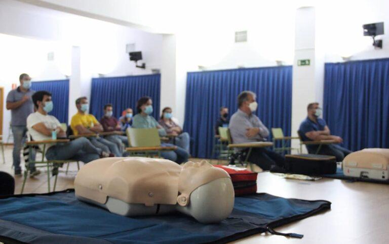 Policía, bomberos y protección civil reciben formación para uso de desfibriladores en Medina del Campo