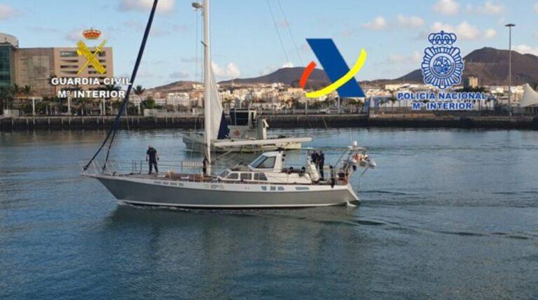 Intervenidos 1.200 kilogramos de cocaína en un velero situado frente a las costas de Canarias