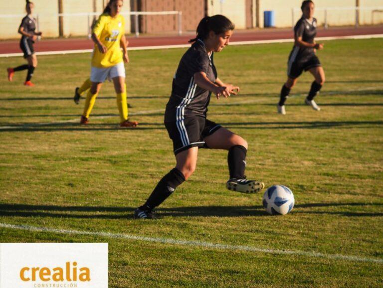 El Fútbol Femenino Crealia de Medina se da un festín ante el San Pío X 'B'